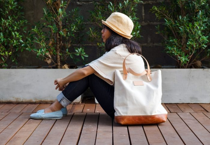 How To Clean A Canvas Handbag Overstock Com