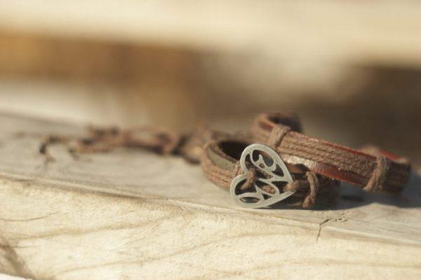 Comment Faire des Bracelets en Cuir