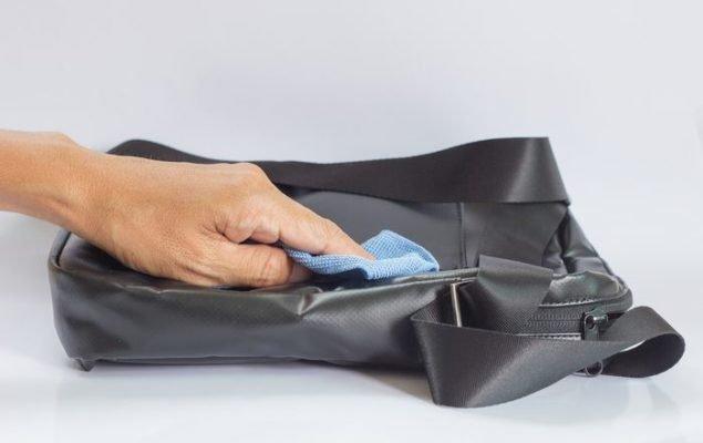 Kā kopt ādas somas
